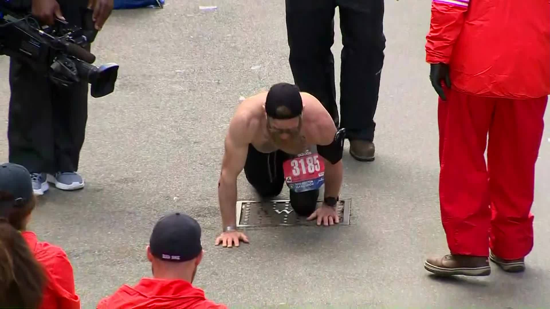U_S__Marine_crosses_Boston_Marathon_fini_0_20190416130929