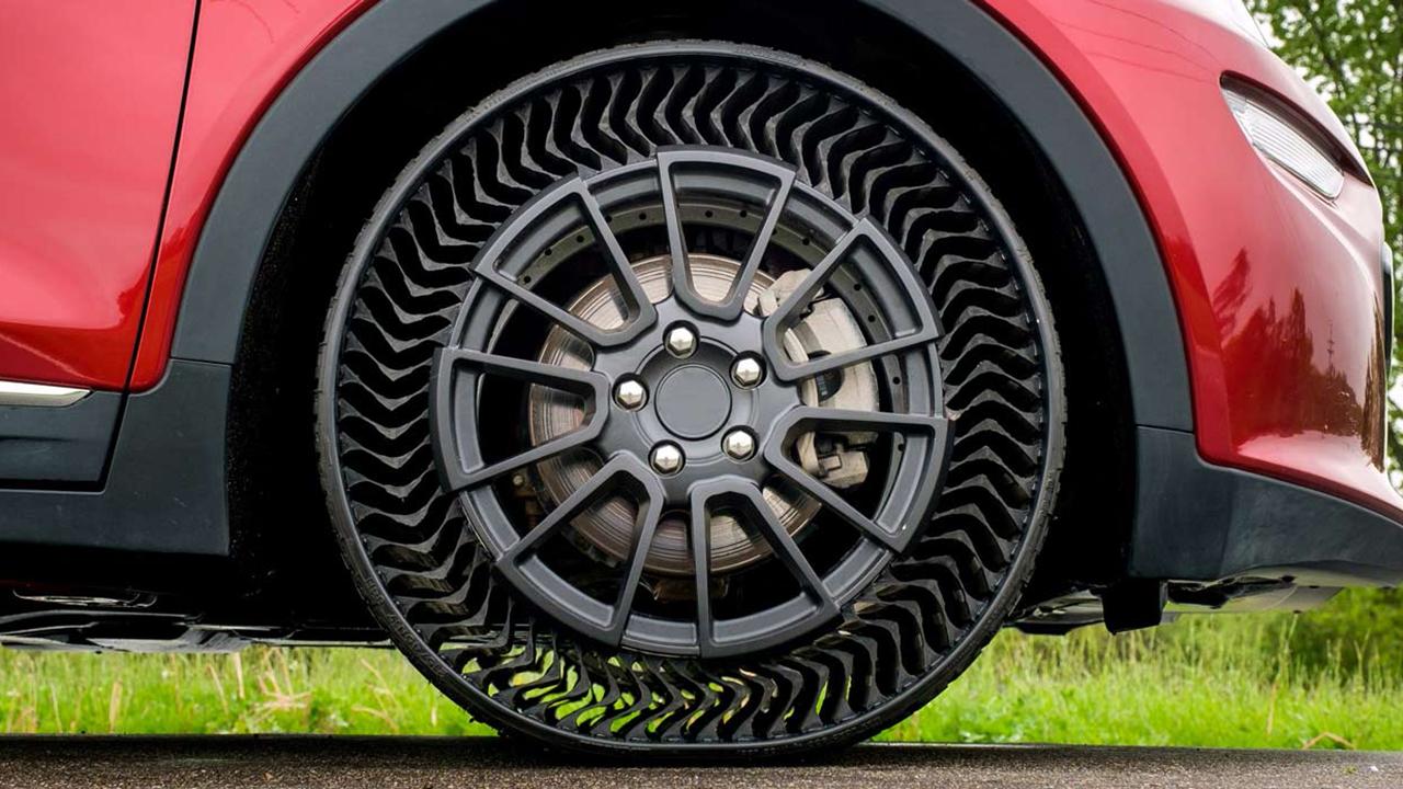 Michelin tire prototype WEB CROP_1559785108401.jpg-846624087.jpg
