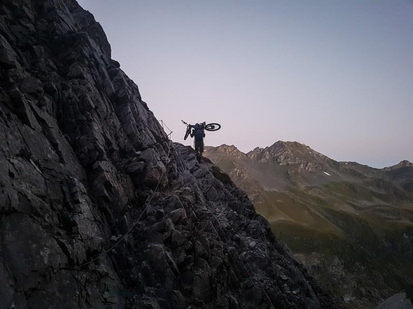Aufstieg in der Morgendämmerung