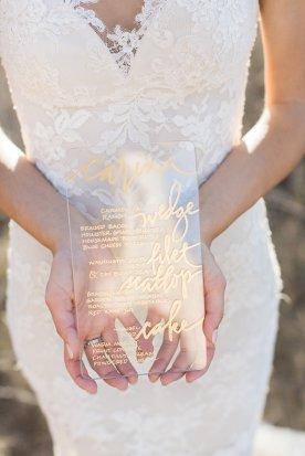 bryllupsinspirasjon-Carlie Statsky-brudeblogg-bryllupsinvitasjon-gull