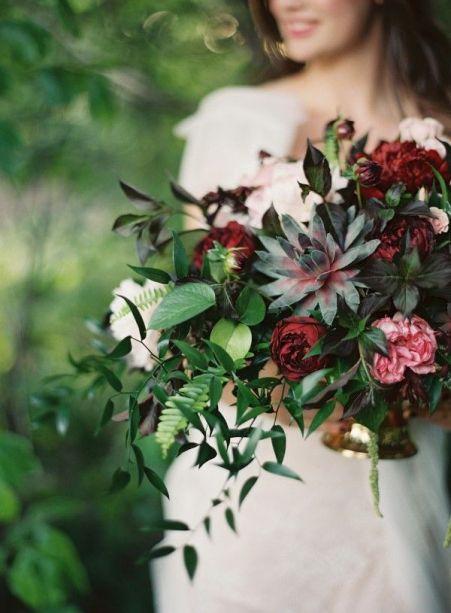 plomme-oliven-gull-fersken-bryllupsfarger