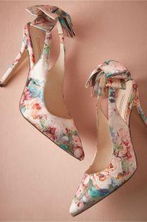 blomster-brudekjole-bryllupstema-brudepikekjoler-blomstrete