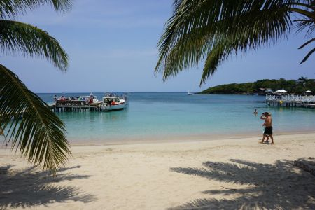 West end / Moon Bay Roatan
