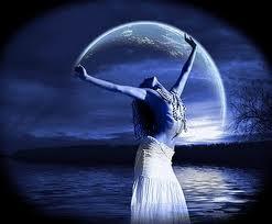 Resultado de imagen para la luna sortilegio de amor
