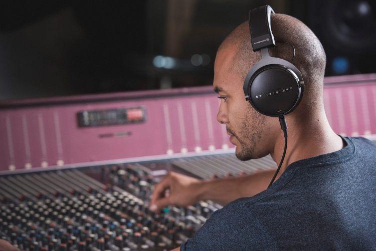 Best over the ear headphone 2020