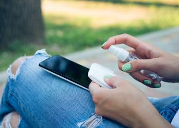 Disinfect your smartphone against Coronavirus
