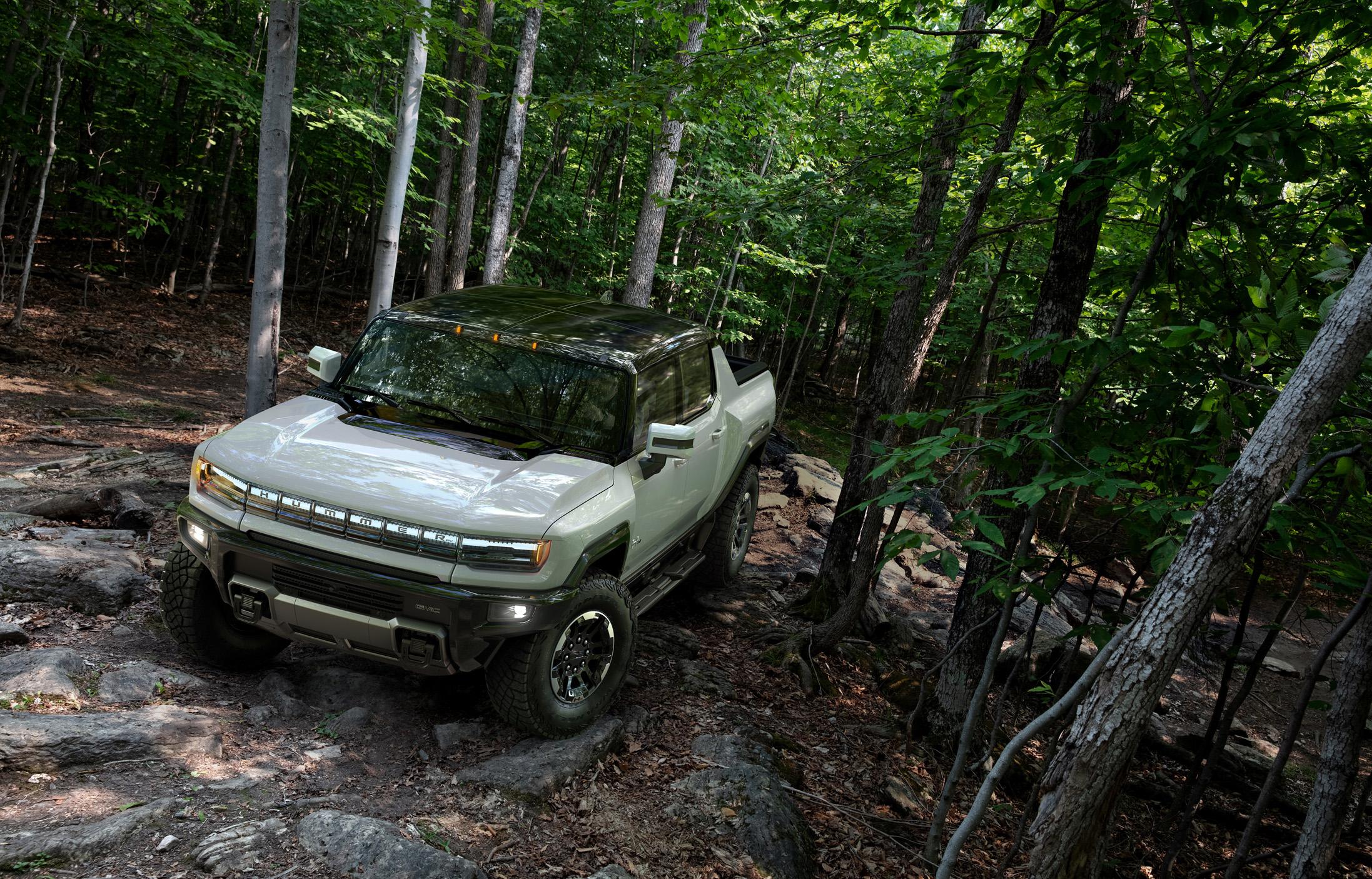 GMC Hummer EV 2022 is built for off-road usage