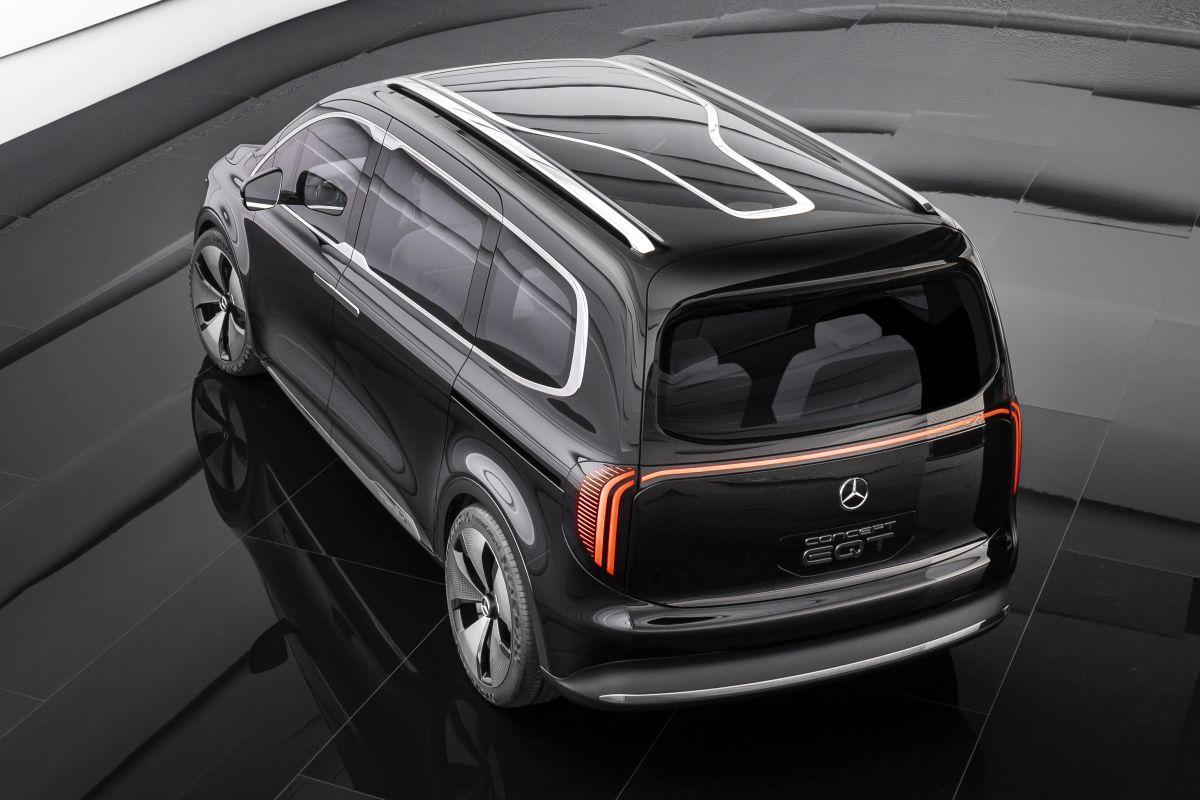 Mercedes Benz Concept EQT chromatic roof