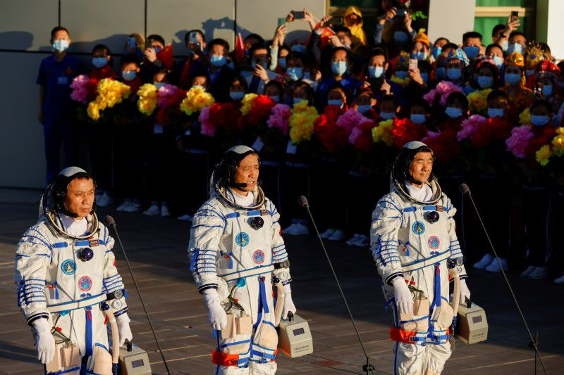 Three Chinese astronauts to visit the Tianhe space station