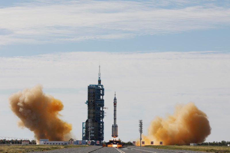 China Launches March 2F Y12 rocket 8