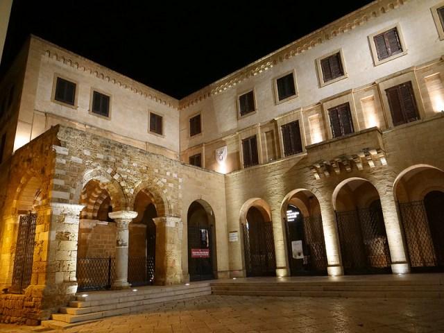 Portico de' Cateniano e Museo Archeologico Provinciale F. Ribezzo