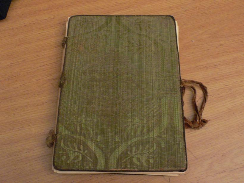La cartella di seta verde di Elisabetta Schlippenbach Dentice di Frasso