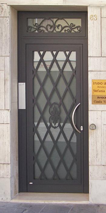 Cancelli ringhiere e inferriate  Brunello Loris dal 68 costruzione e installazione di