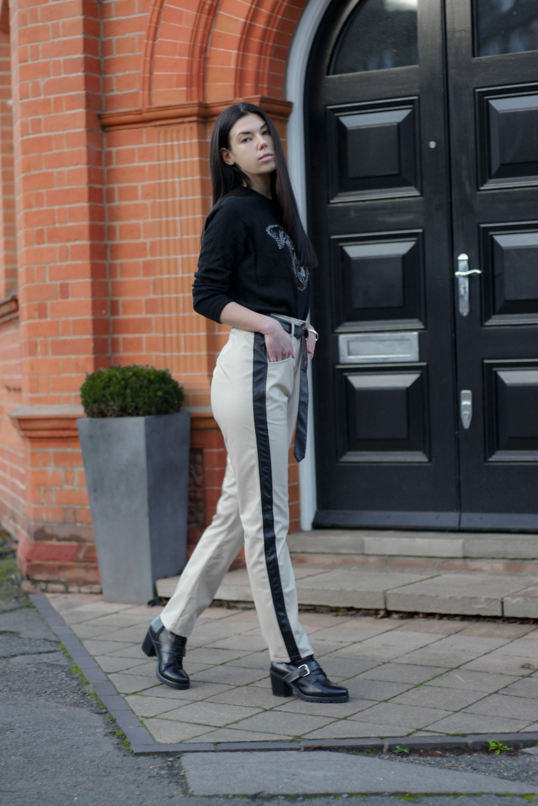 Why Leather Pants Are Still In Style (And You Should Get A Pair) (7 of 15)