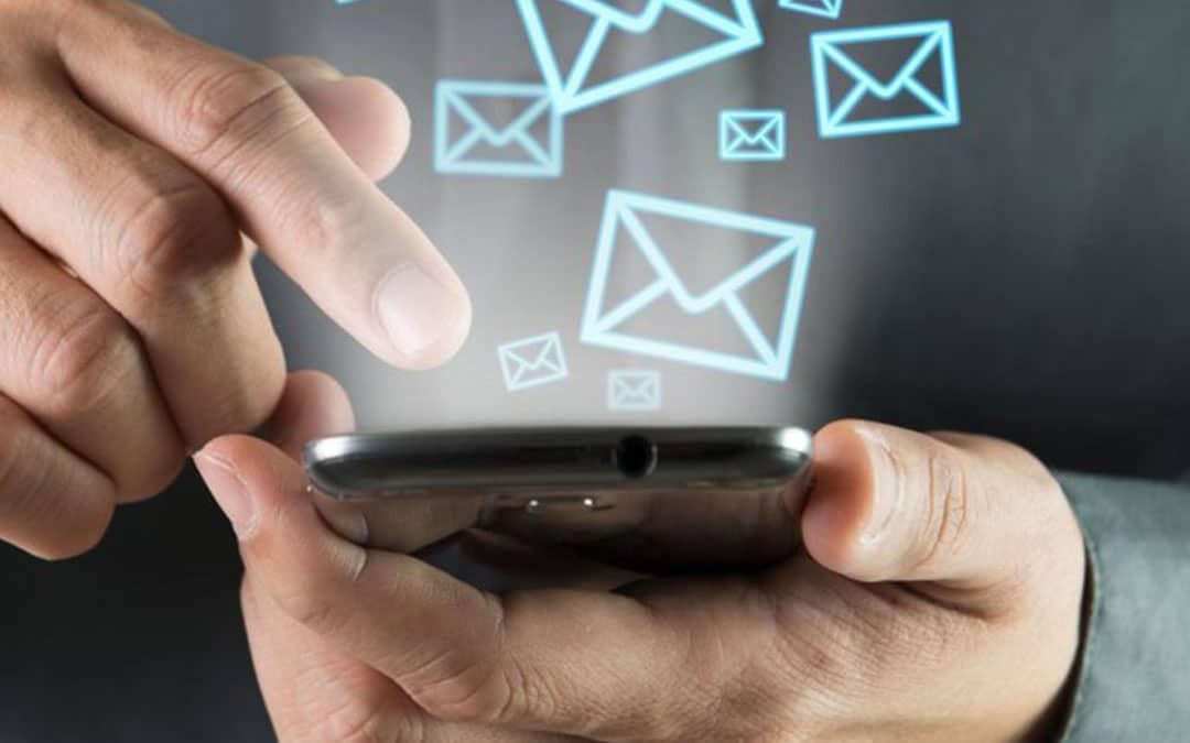 Presença Online - 4 Vendedores Para Sua Empresa Vender Mais - E-Mail Marketing