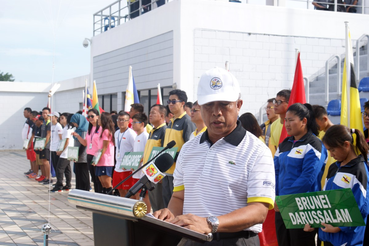 Minister launches 41st SEA AG Swimming Championships