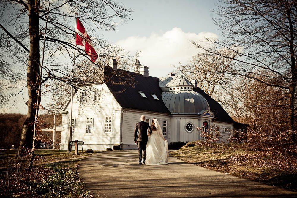 fe3d9950 Aldershvile Slotspavillon bryllup - Bryllupsfotograf til den store dag