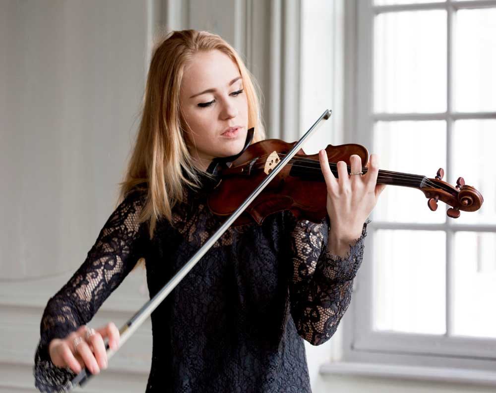 Violinist-Michala-Høj--til-bryllupper
