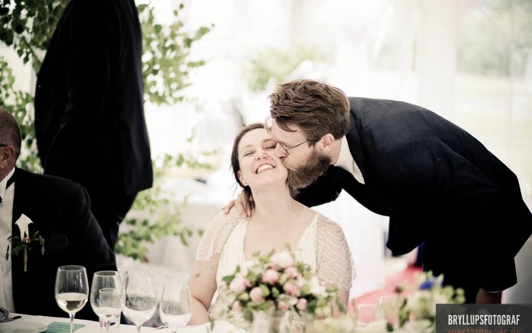 2cf800ed9d44 Kysseritualer ved brylluppet - Bryllup og alt om bryllupsplanlægning ...