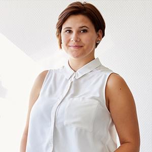 Sarah Dehmer hat sich bewusst einen Job in Personaldienstleistung ausgesucht, weil sie gerne mit Menschen zu tun hat