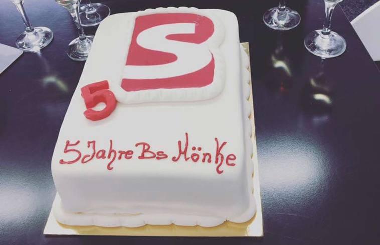 5 Jahre Fachkräftevermittlung, 5 Jahre Rekrutierung, 5 Jahre BS Mönke! Wir (Maik Schulze und ich, Rüdiger Bleckmann) von BleckmannSchulze PartnerServices GmbH gratulieren BS Mönke zum 5-jährigen Firmenjubiläum.