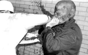 """Uno stomachevole fotogramma tratto da """"Philosophy of a Knife"""" di Andrey Iskanov"""