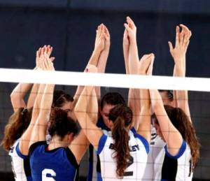 volleyball-group-web-10-5792-_4MB4987