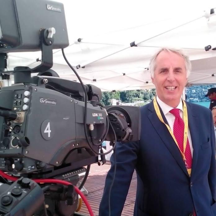 Il sindaco di Iseo, il giornalista Riccardo Venchiarutti.