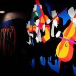 Le opere di Marco Lodola al Franciacorta Outlet Village di Rodengo Saiano (Brescia), foto Andrea Tortelli - www.bsnews.it