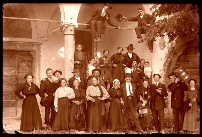 Una foto storica del Convento dell'Annunciata sul Monte Orfano, conservata da Giorgio Baioni, www.bsnews.it
