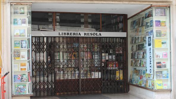 La Libreria Resola Ha Abbassato Le Saracinesche Per Lultima