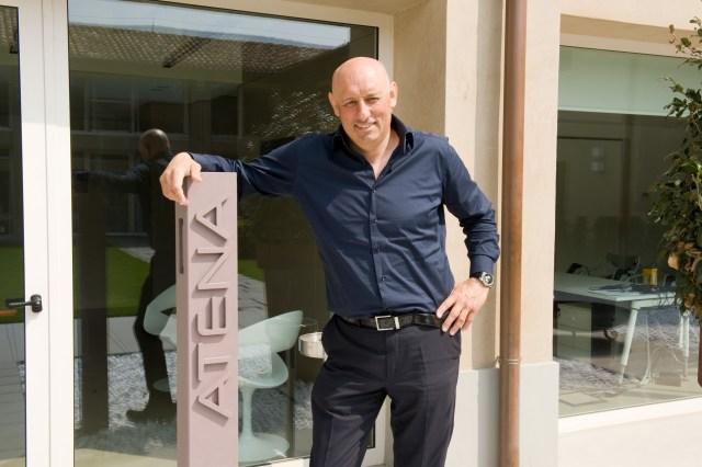 L'ad di Atena Paolo Naoni all'ingresso della sede di via Codignole, www.bsnews.it