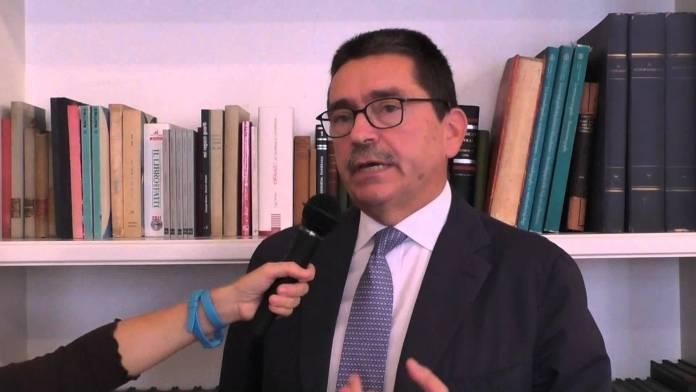 Piero Nicolai, professore ordinario alla Facoltà di Medicina di Brescia e direttore del reparto di Otorinolaringoiatria del Civile, foto da YouTube