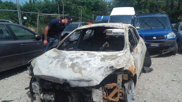 Arrestato un 47enne che a giugno aveva incendiato l'auto della ex, foto Polizia di Desenzano