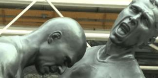 Una statua dedicata alla celebre testata del calciatoee Zidane a Pompidou, da web