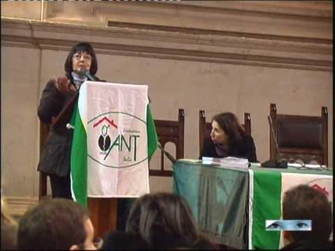 Marcella Gori, fondatrice di Ant Brescia, in un dibattito pubblico, foto da Youtube