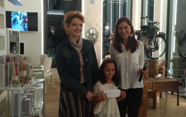 La premiazione della vincitrice della gara riservata al pubblico della Brescia-Napoli, Laura Mazzoleni