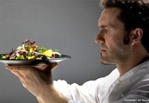 Villa Feltrinelli con il cuoco Stefano Baiocco si conferma ai vertici della cucina italiana secondo la Guida Michelin