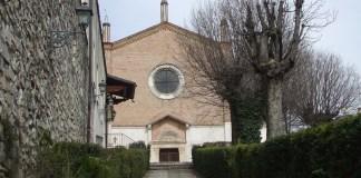 La scalinata che porta all'ingresso della Chiesa di San Cristo a Brescia