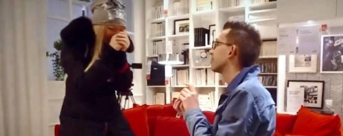 Proposta di matrimonio al centro commerciale Ikea di Roncadelle (Brescia)