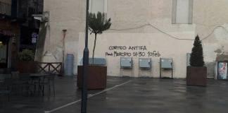 """Una delle tante scritte comparse sui muri di Brescia per """"pubblicizzare"""" il corteo antifascista di sabato"""