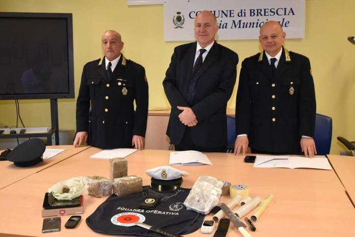 L'assessore Muchetti con il comandante dei vigili Muchetti, foto da Facebook