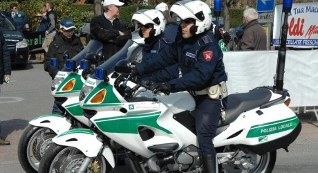 E' grave un poliziotto investito in sella alla sua moto - www.bsnews.it