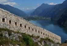 Una suggestiva veduta dalla Rocca d'Anfo, sul lago d'Idro