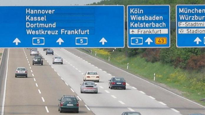 Autostrada tedesca, foto generica dal web