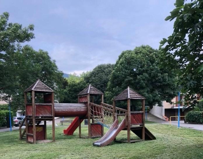 Il parco dopo l'intervento di manutenzione - foto da Facebook