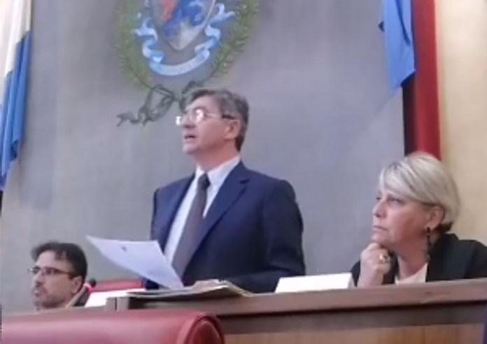 Del Bono e Castelletti durante il primo consiglio comunale di Brescia