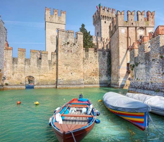 Sirmione, uno dei luoghi più suggestivi del lago di Garda