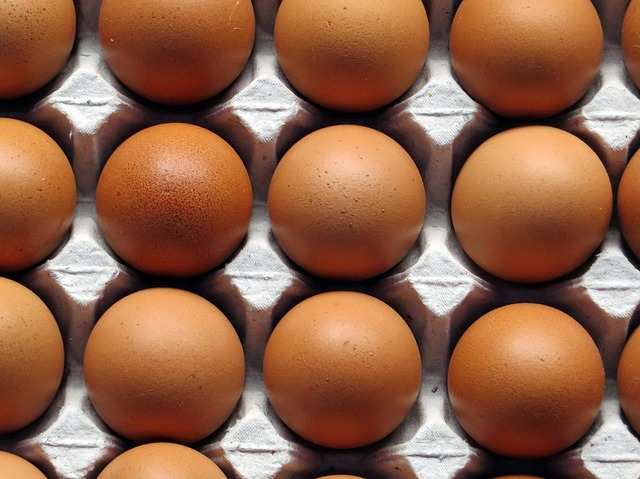 Uova fresche ritirate dal mercato