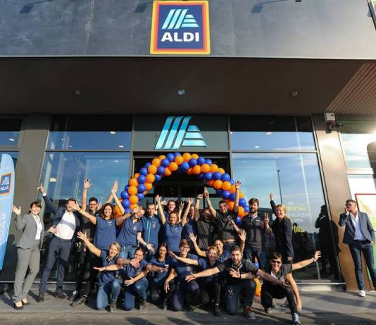 Apertura ALDI - foto da Pagina Facebook ALDI Italia